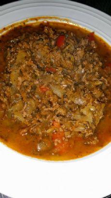 köttfärssoppa med vitkål och curry